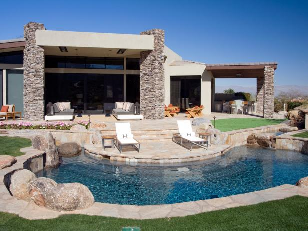 Southwestern Patio and Pool