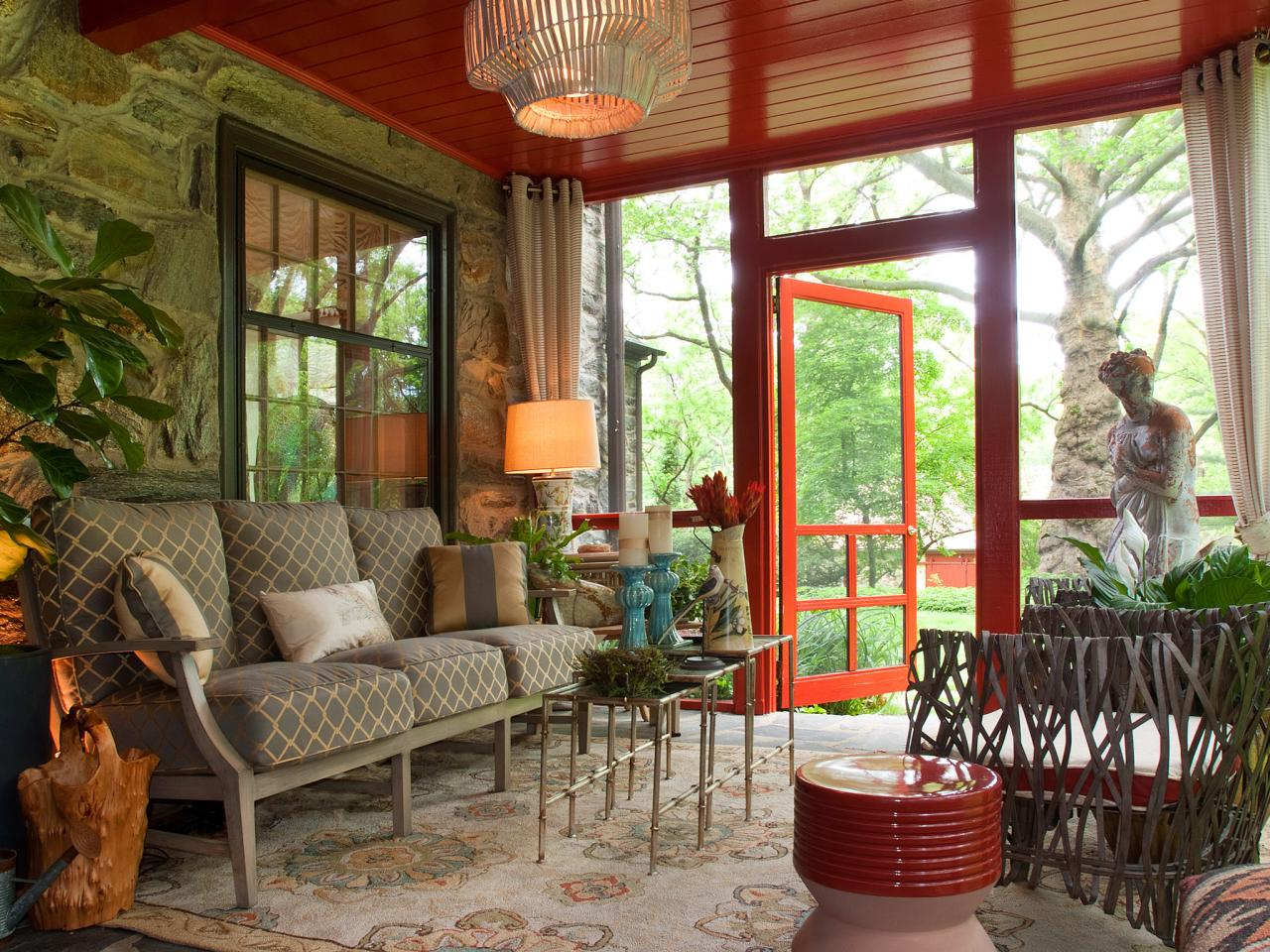 From wicker nightmare to colorful outdoor space deborah for Deco veranda
