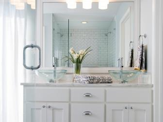 Beautiful Modern White Bathroom