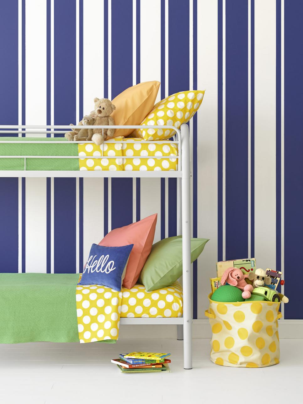 5 ways to paint stripes on walls hgtv for Designs to paint