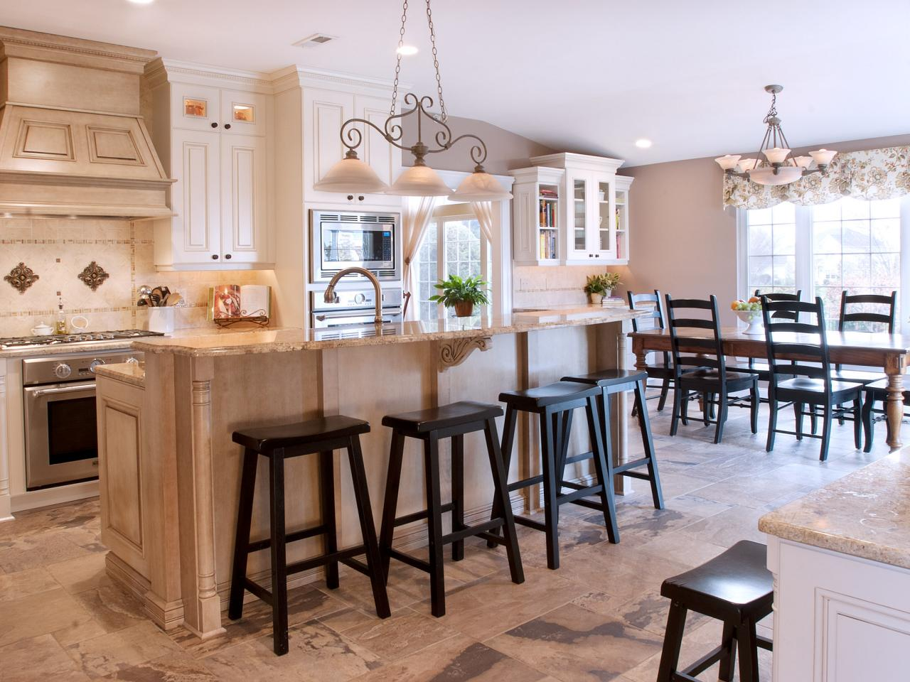 Traditional kitchen with optimal storage cyndi haaz hgtv for Kitchen dining room decor
