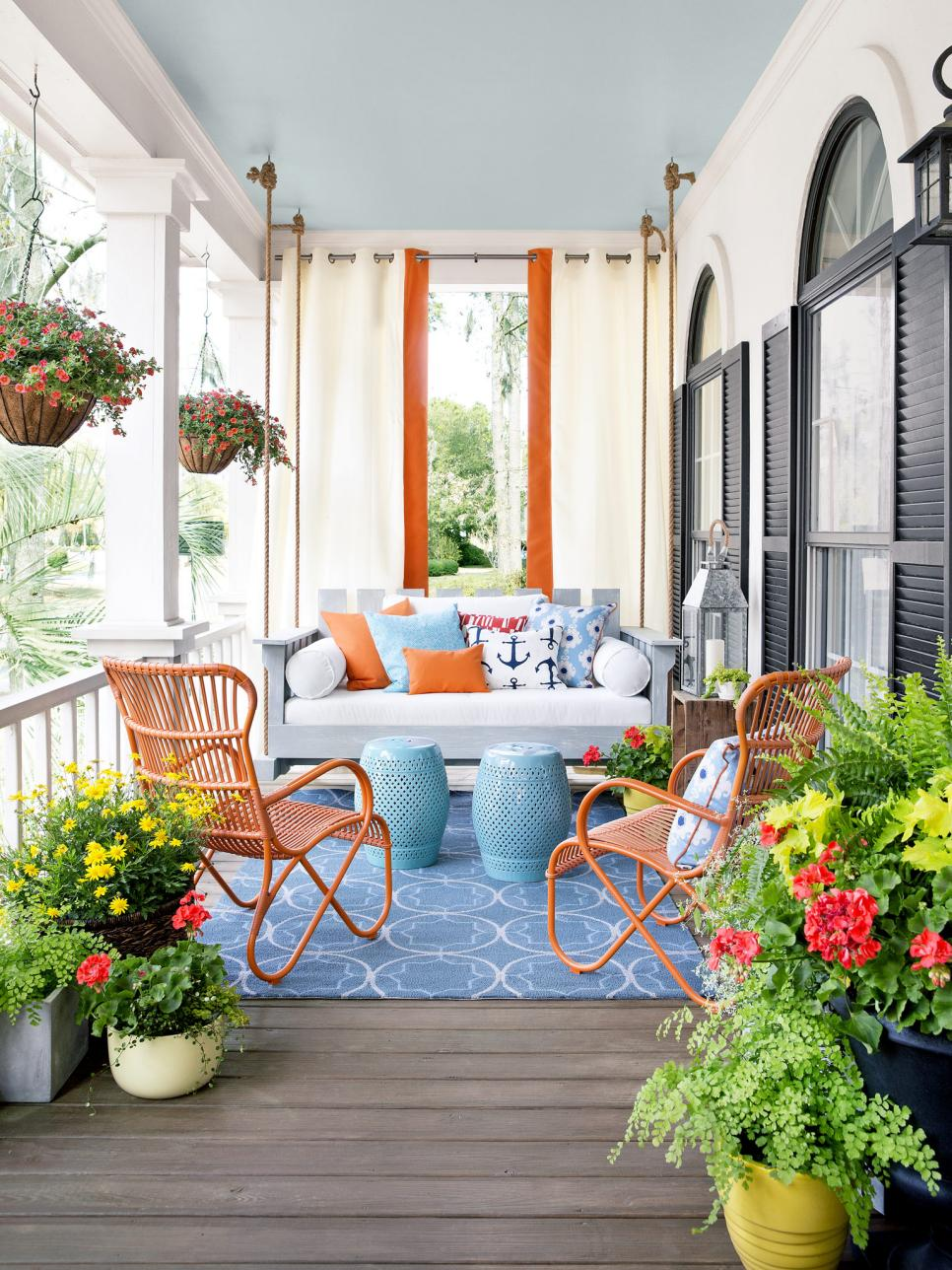 Porch design and decorating ideas hgtv for Pictures of decorated small patios