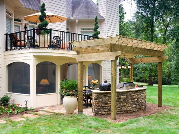 Transitional Double-Decker Outdoor Space