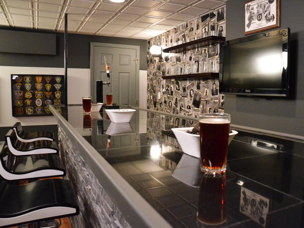 13 great design ideas for basement bars hgtv - Home bar room ideas ...