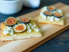 Fig and Blue Cheese Crumble Flatbread Recipe