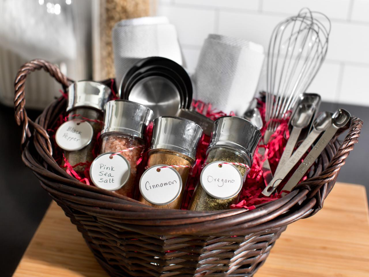 Christmas gift baskets easy crafts and homemade Gifts for kitchen lovers