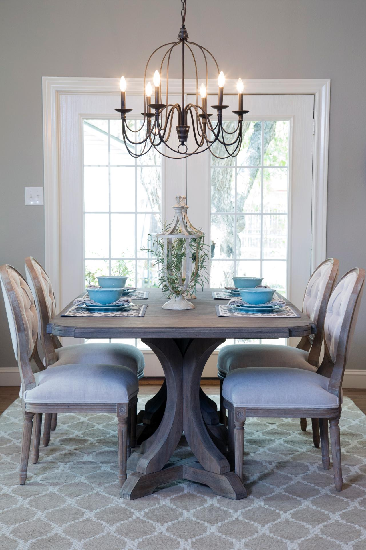 A 1940s vintage fixer upper for first time homebuyers for Dining room light ideas