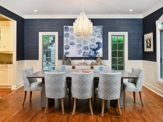 Dining Room With Shades and Textures of Blue