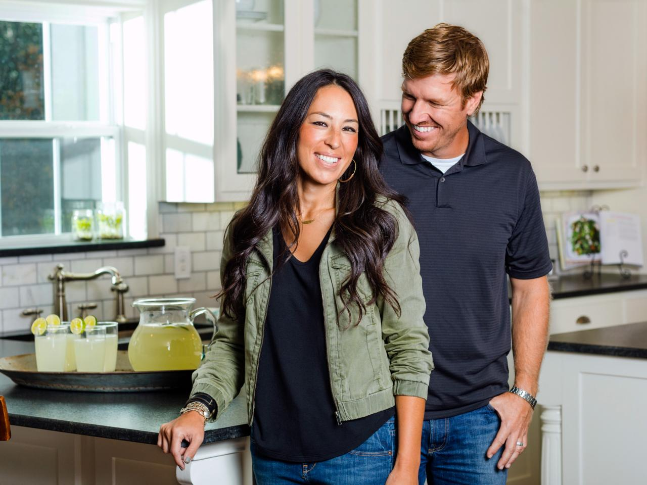 Designers chip and joanna gaines designers chip and joanna gaines