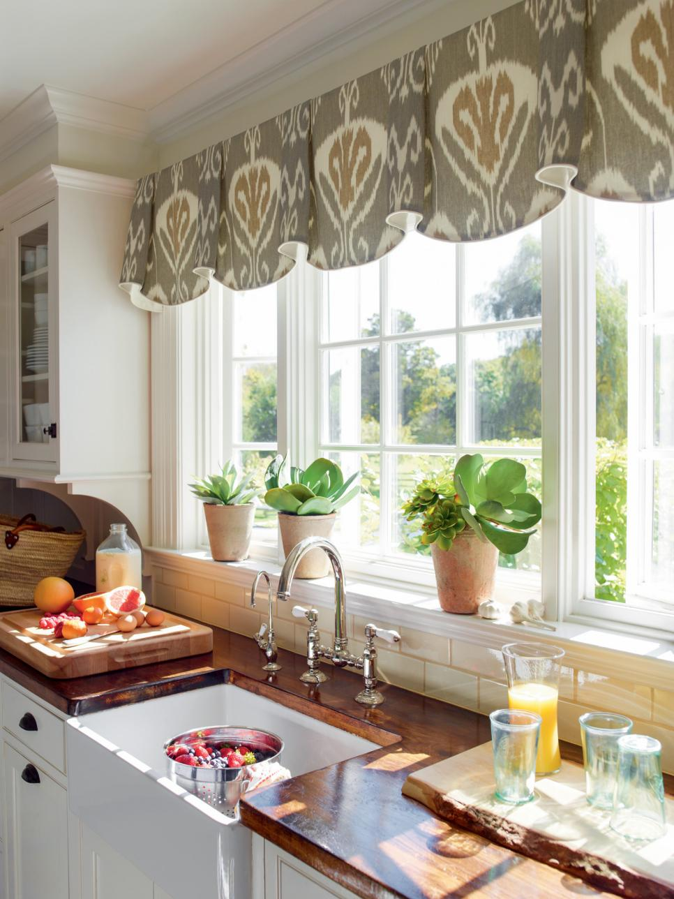 10 Stylish Kitchen Window Treatment Ideas | HGTV