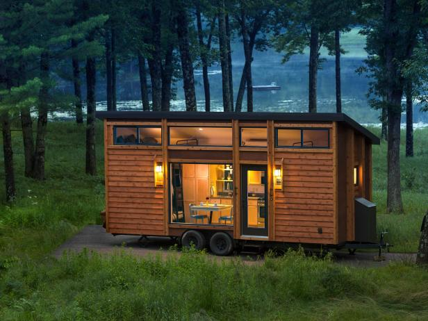 Luxury Mobile Cabin With Wood Exterior