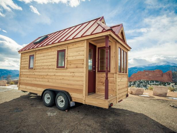 Tiny Home on Wheels With Small Corner Porch