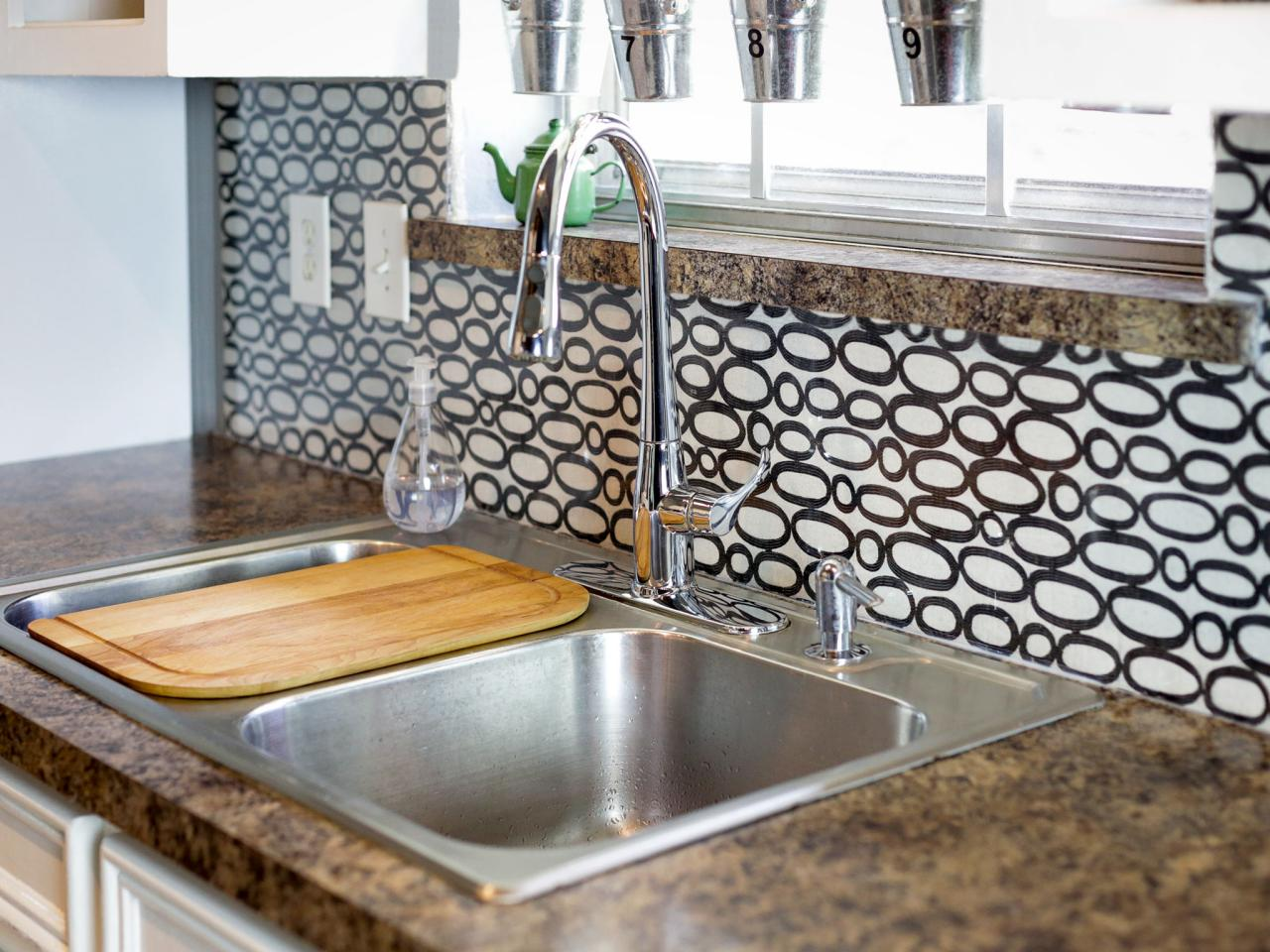 make a renter-friendly, removable diy kitchen backsplash | hgtv
