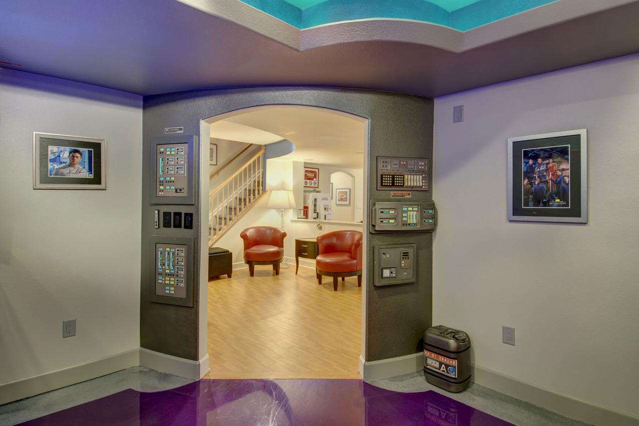 Basement Design Ideas Designing Any Room Can Be Tough But Star Trekthemed Basement Room