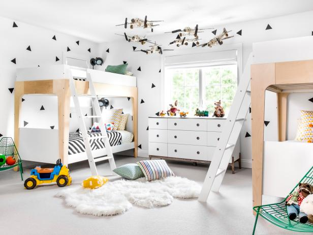 Bunk Beds, Model Airplane Display Set the Stage for Fun Sleepovers