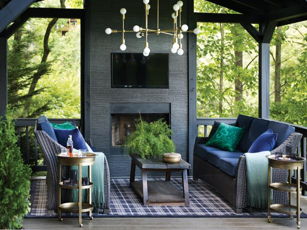 Chic Mountain Home Porch