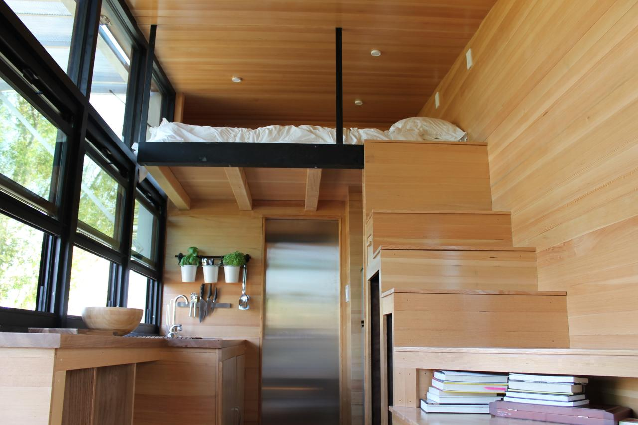 Tiny house big living these itsy bitsy homes are feature for Modern mini homes
