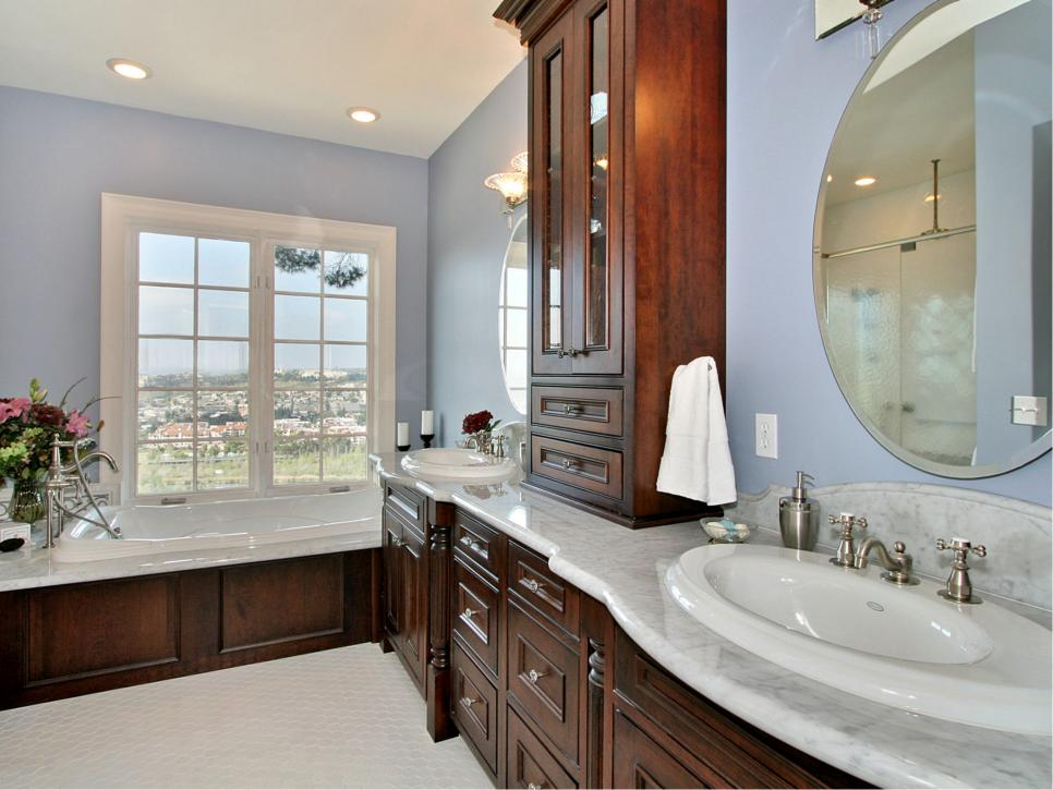 Amazing historic home remodels hgtv for Historic bathroom remodel
