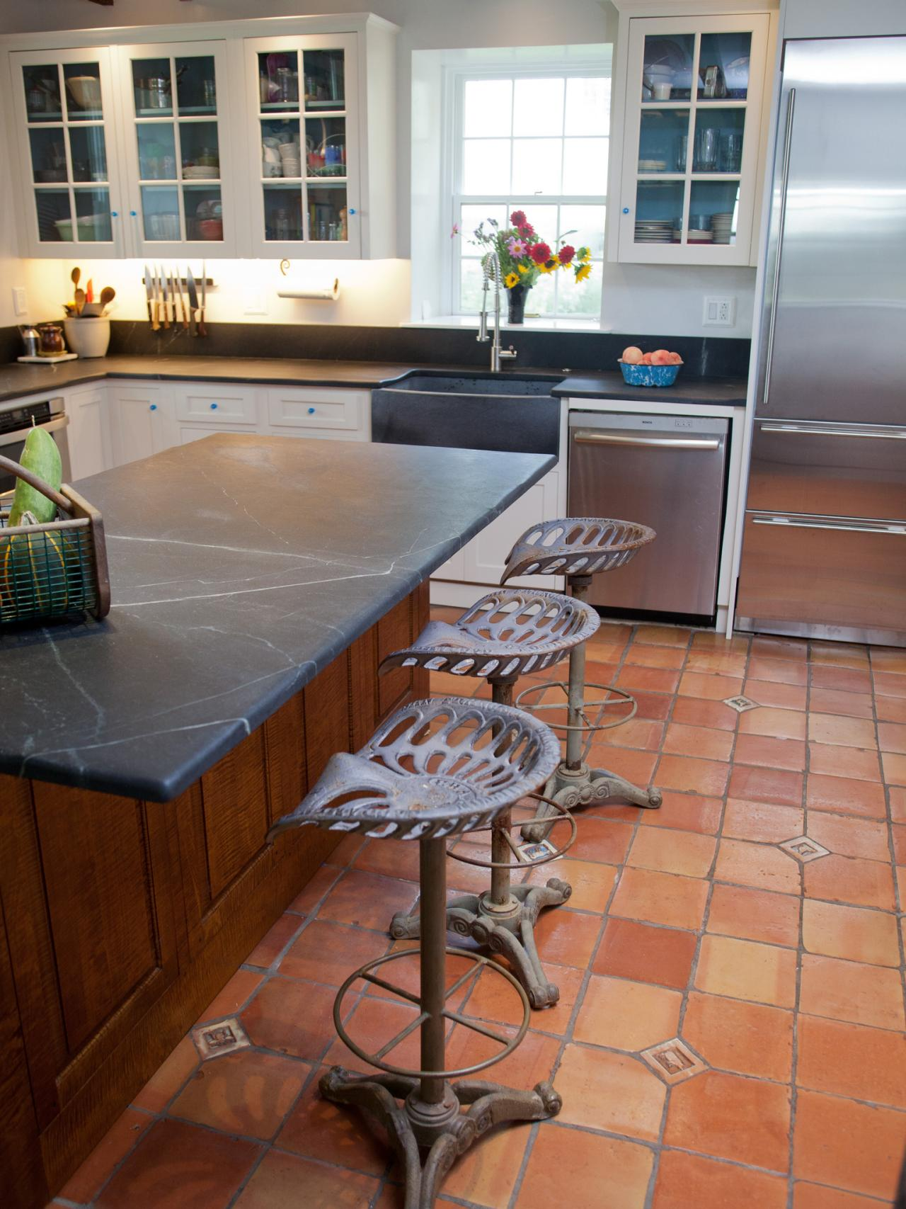 Kitchens With Terracotta Floors Country Kitchens Options And Ideas Hgtv