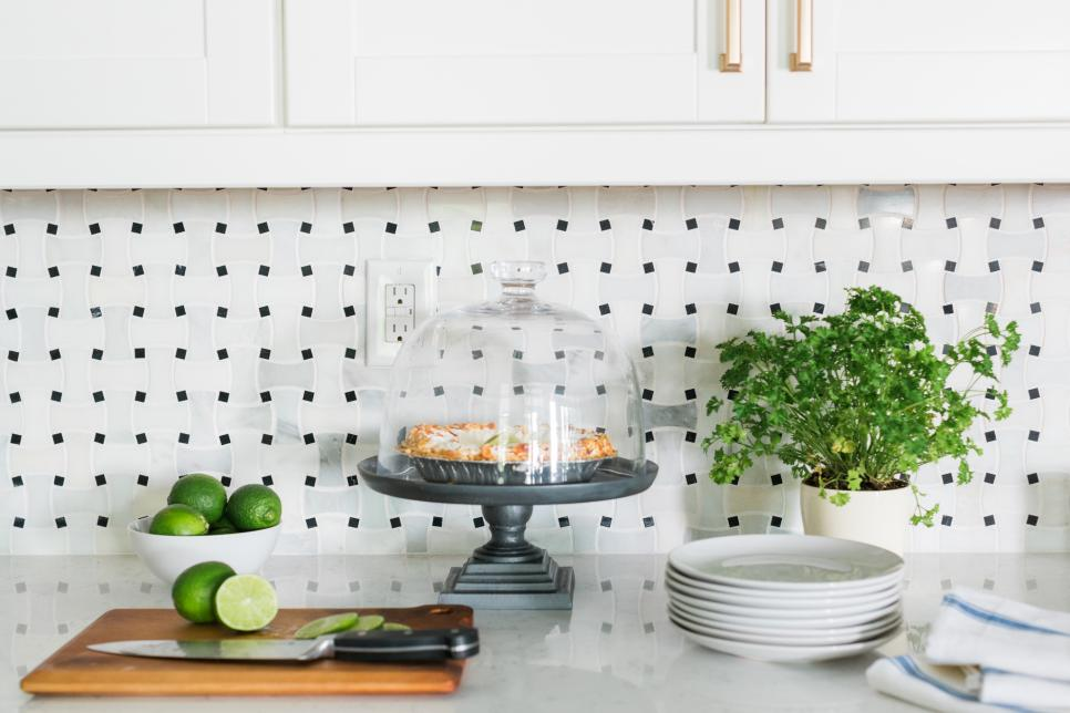 HGTV Dream Home 2016 kitchen counter