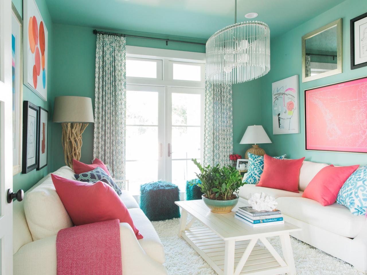 13 Coastal Cool Living Rooms Hgtv S Decorating Amp Design