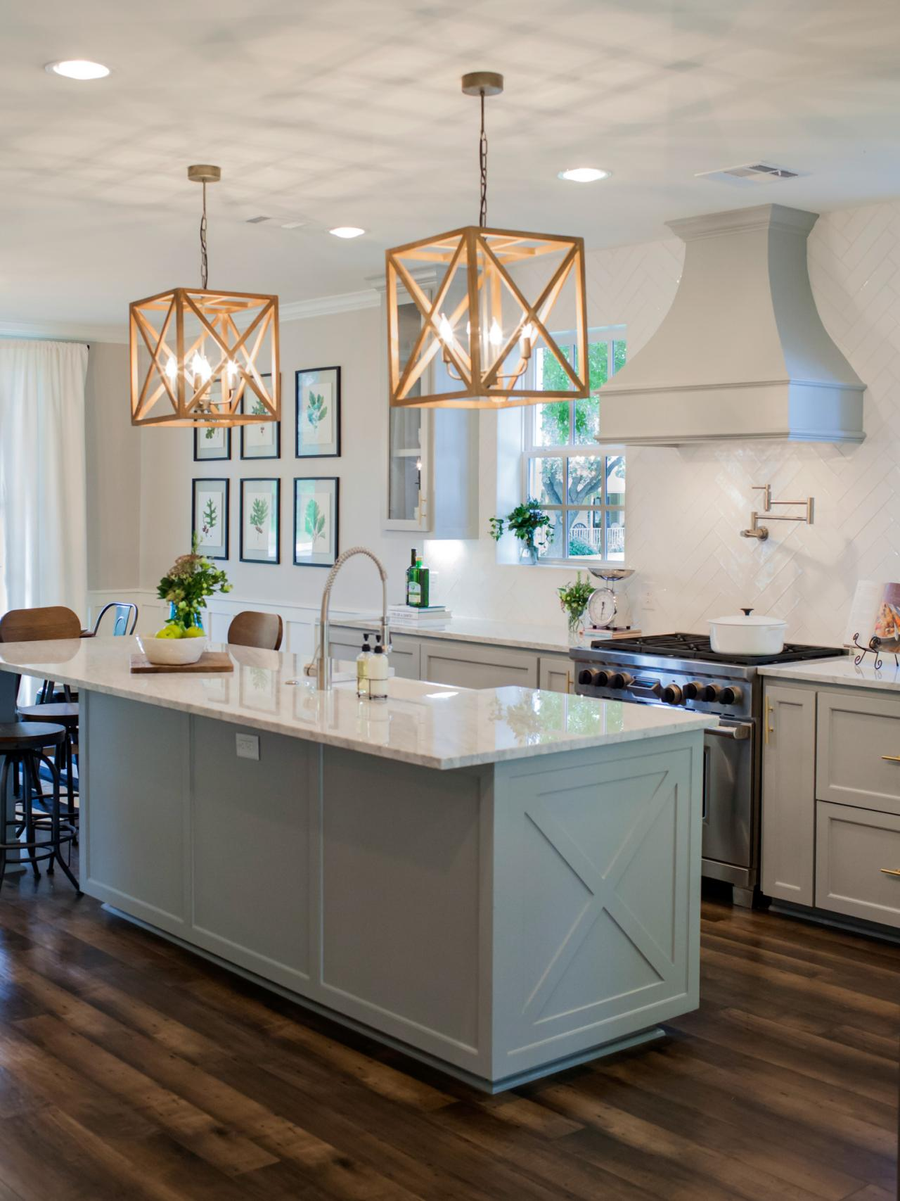 Photos hgtv 39 s fixer upper with chip and joanna gaines hgtv - Kitchen island color ideas ...