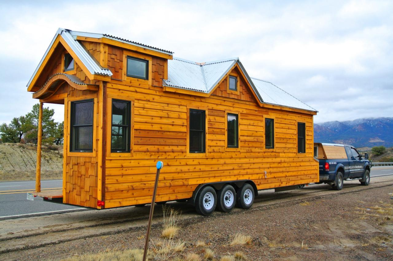 Tiny house big living these itsy bitsy homes are feature for Building a little house