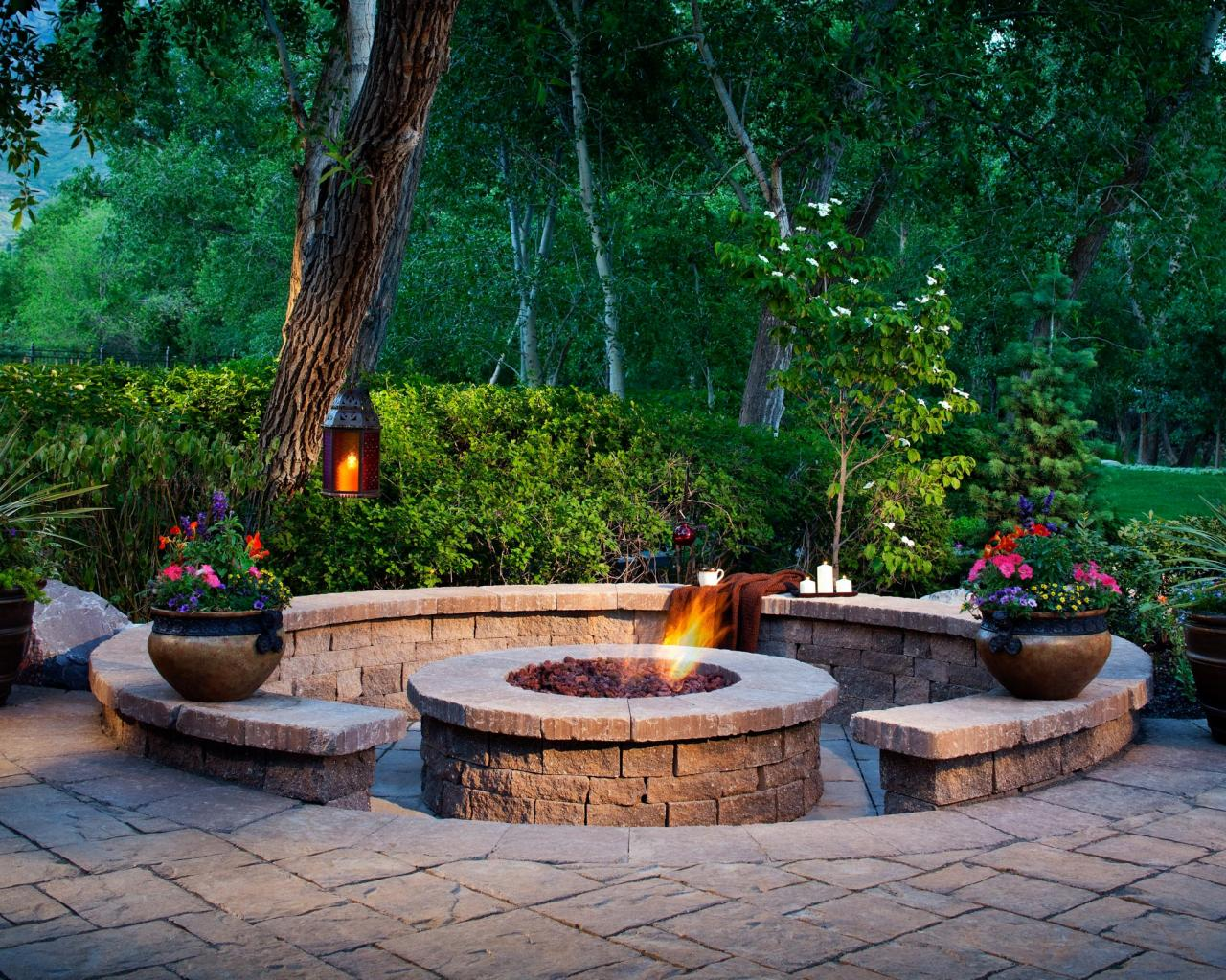 Designing a Patio Around a Fire Pit | DIY
