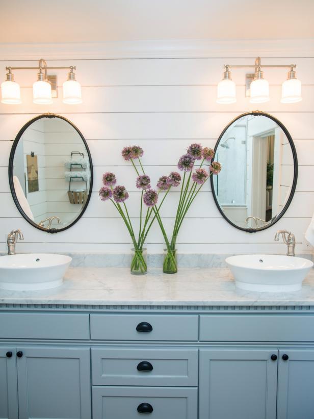 Double Sink Vanity in Master Bathroom