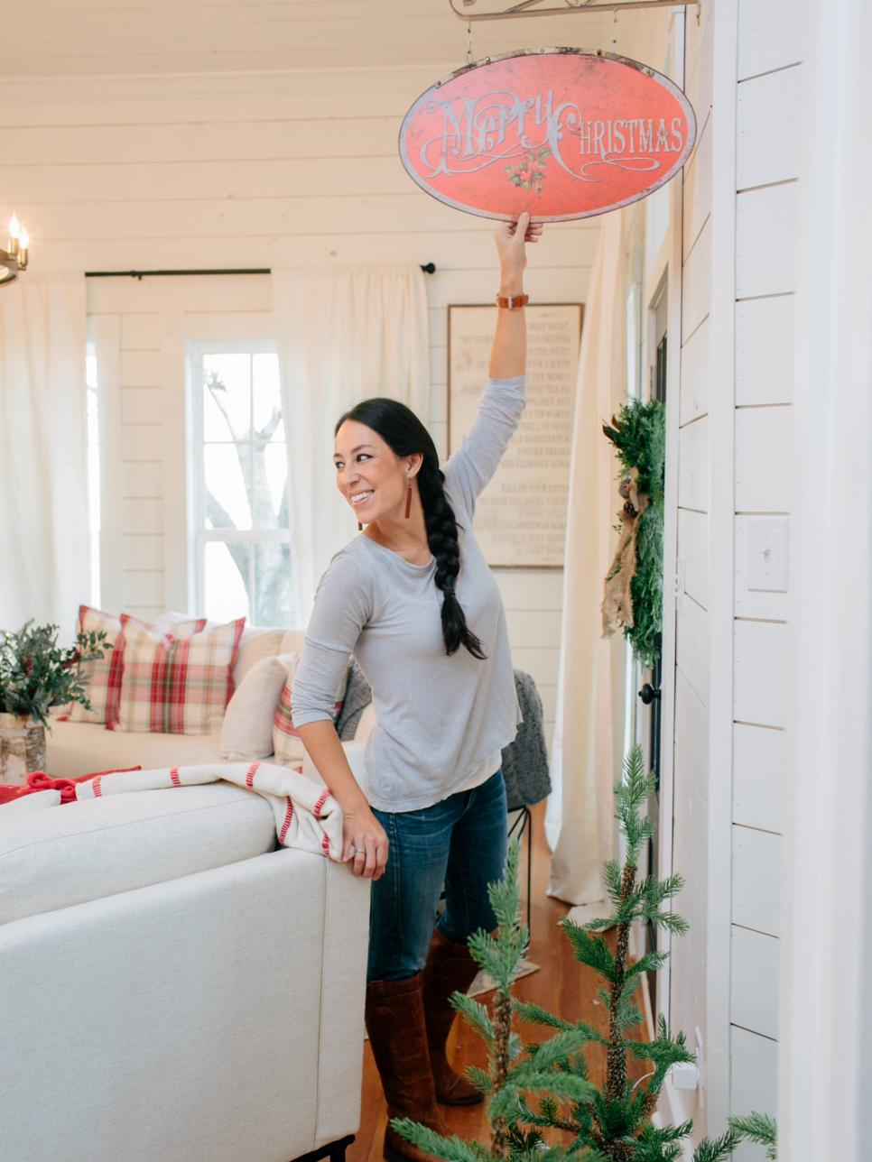 joanna gaines pictures our favorites from hgtv 39 s fixer upper hgtv 39 s fixer upper with chip and. Black Bedroom Furniture Sets. Home Design Ideas
