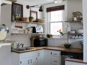 Small Country-Style Kitchen With Open Shelving