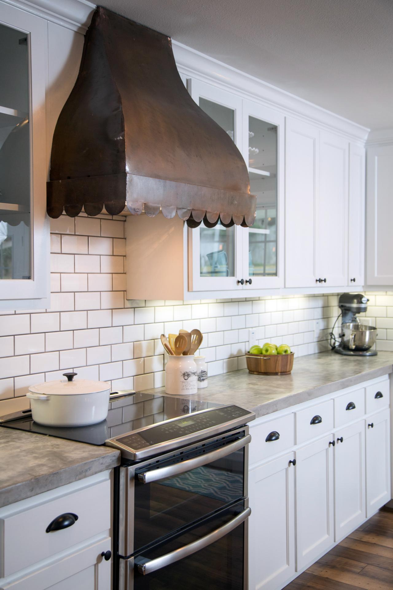 Fixer upper hgtv quotes for Hgtv kitchens