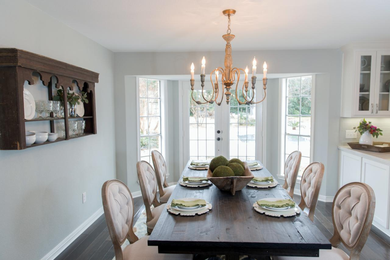 Photo page hgtv for A dining room in french