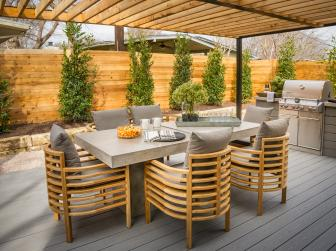 Gorgeous Deck With Pergola