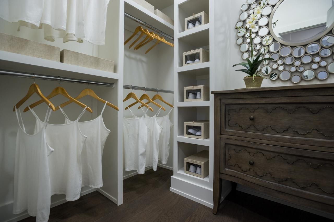 Pictures of the hgtv smart home 2015 master bedroom hgtv Walk in bedroom closets