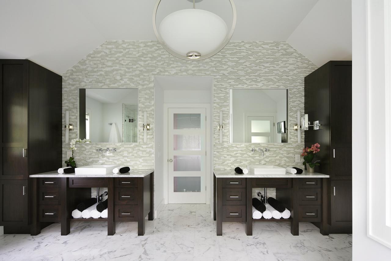 Accent Wall Bathroom Photos Peter Salerno Hgtv