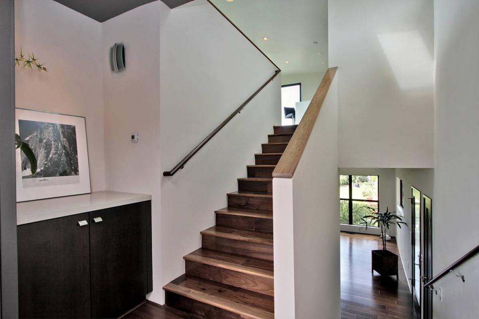 Modern Beach Home Has Wraparound Windows Jackson Design And Remodeling Hgtv