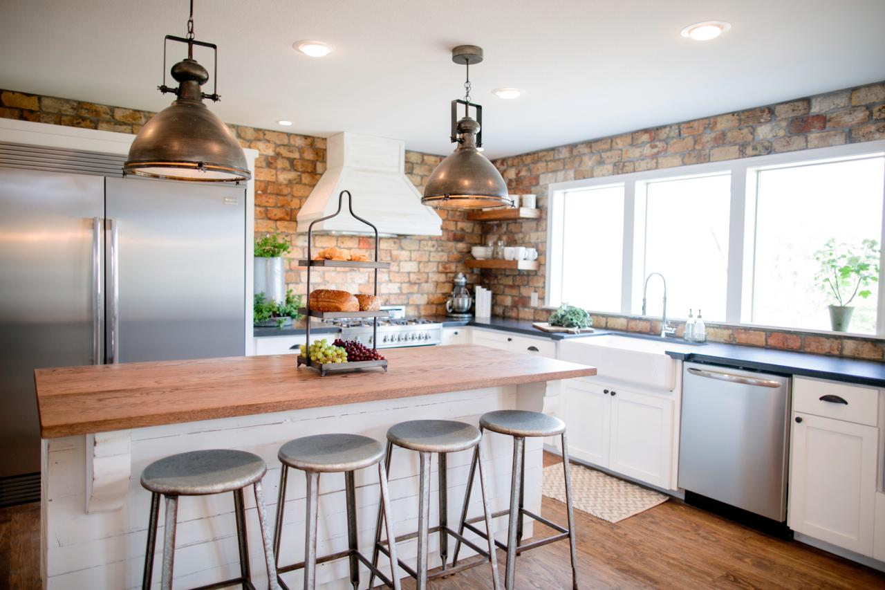 Fixer upper kitchen pendants - The Overgrown Ranch Old Dated Kitchen