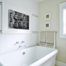 Cozy Freestanding Tub From Sarah Sees Potential
