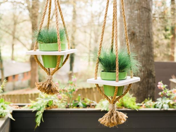 How to Make a Hanging Planter With Rope and Wood