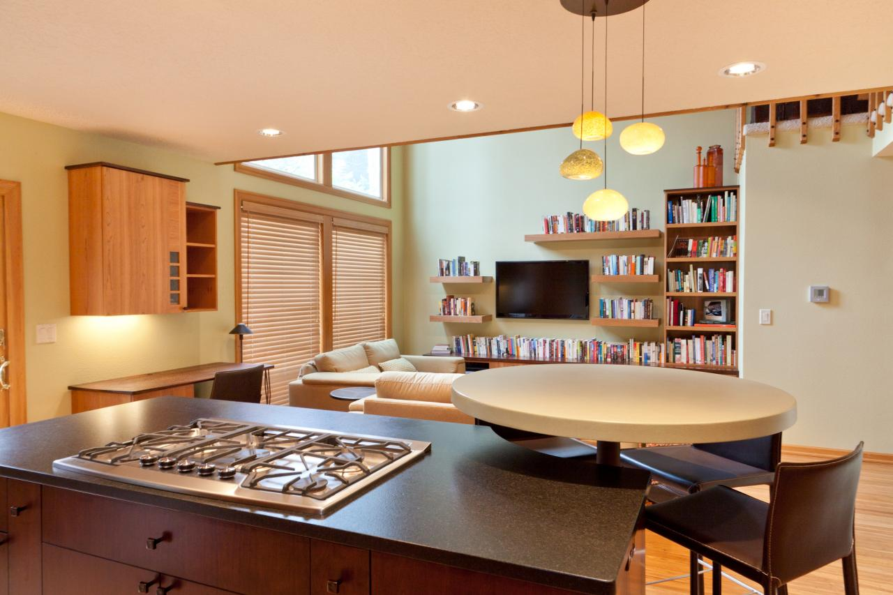 Photo page hgtv - Open concept kitchen living room small space ...