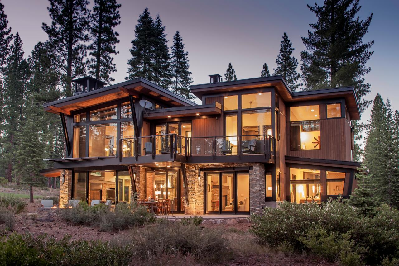 Photos hgtv for Modern mountain house plans