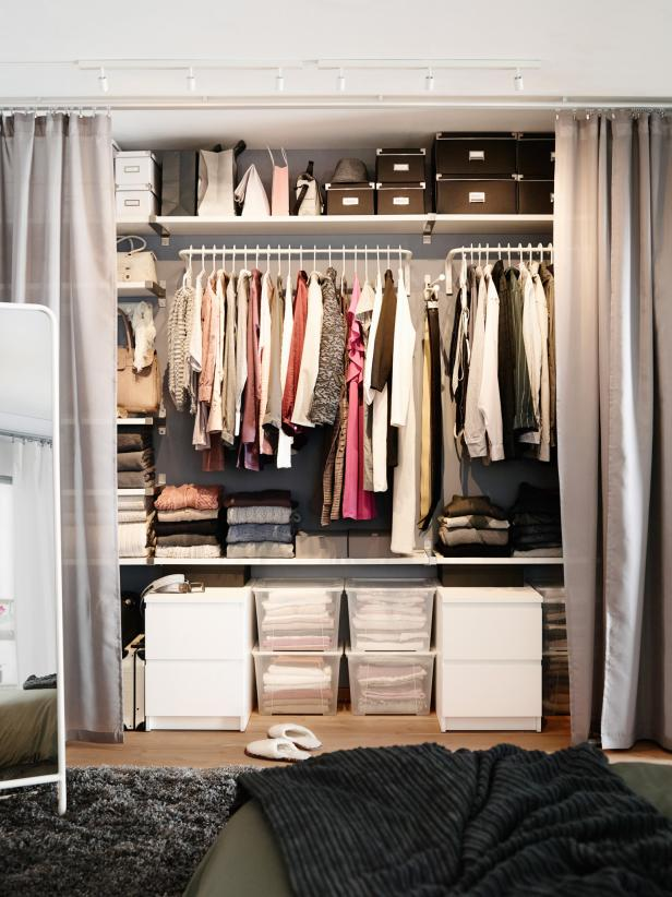 Bedroom Closet With Smart Organization System