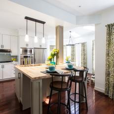 Open Concept Kitchen with Breakfast Nook