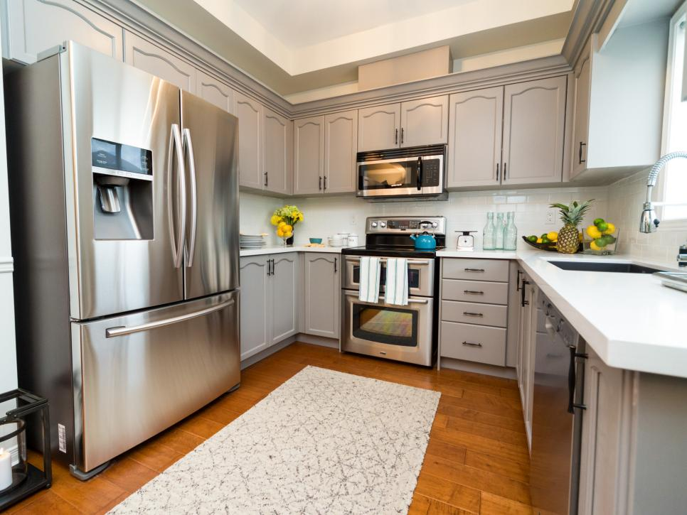 Colorful home makeovers from property brothers buying - Hgtv property brothers kitchen designs ...