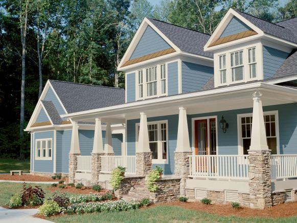 Curb Appeal Tips For CraftsmanStyle Homes HGTV - Craftsman style homes with front porches pictures