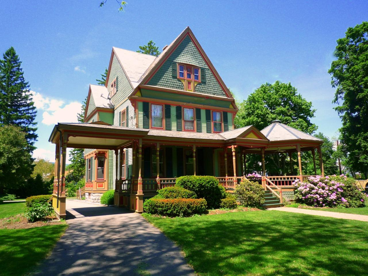 Victorian Colors curb appeal tips for victorian homes | hgtv