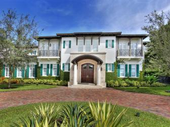 Home Exterior: Classic Estate in Pinecrest, Fla.