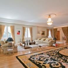 Living Room Historic Mansion In Madrid Spain