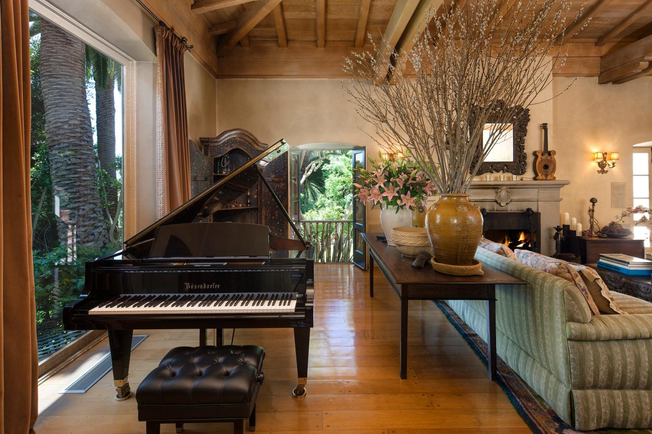 Photos hgtv for Living room jazz los angeles